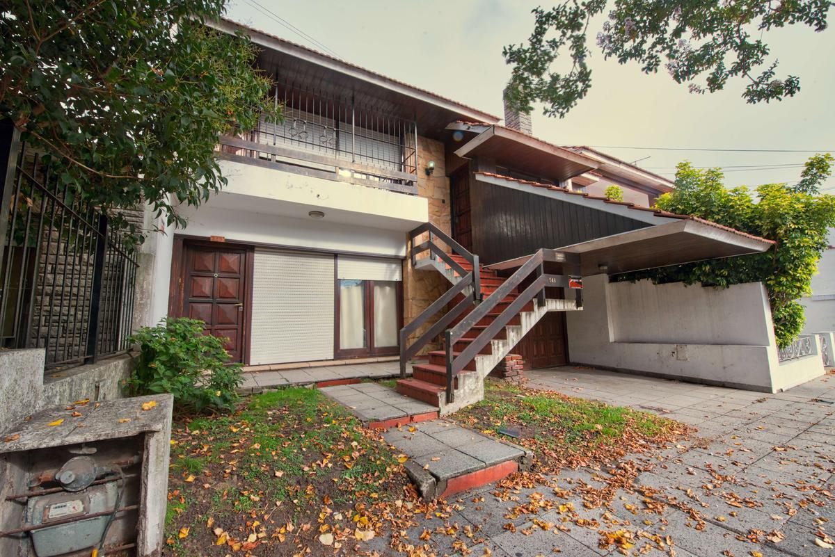 Foto Casa en Venta en  La Perla Norte,  Mar Del Plata  Funes al 500