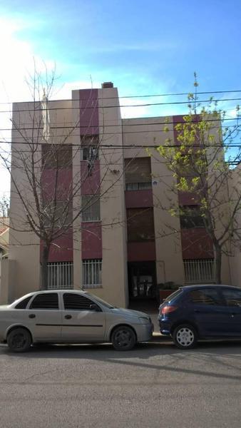 Foto Departamento en Venta en  Área Centro Este ,  Capital  TENIENTE IBAÑEZ al 100