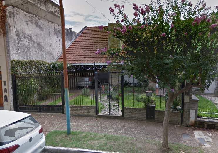 Foto Casa en Venta en  Bernal,  Quilmes  25 de Mayo al 300