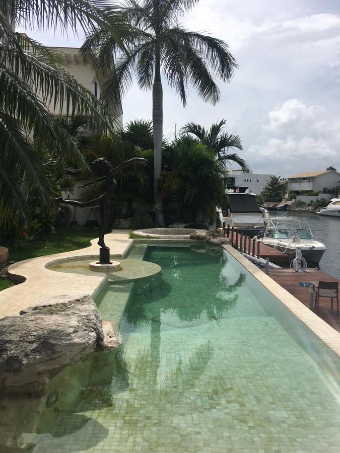 Foto Casa en Venta en  Puerto Cancún,  Cancún  Villa en Venta Puerto Cancun