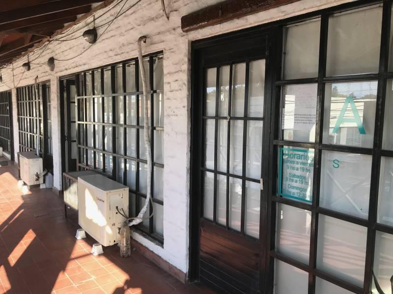 Foto Oficina en Alquiler en  Las Lomas de San Isidro,  San Isidro  Intendente Tomkinson al 2900