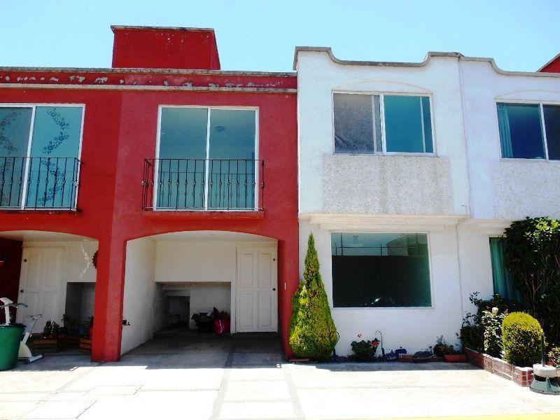 Foto Casa en condominio en Venta | Renta en  El Carmen Totoltepec,  Toluca  Casa en venta Fraccionamiento Maria Bonita, cerca de Pilares