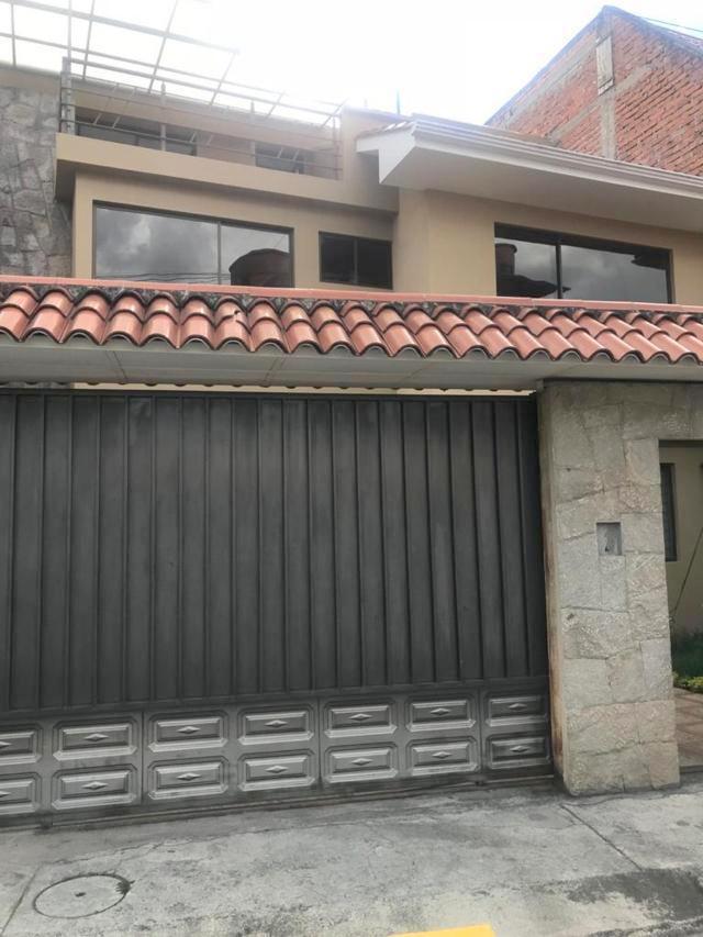 Foto Casa en Alquiler en  Este,  Cuenca  Quinta Lucrecia