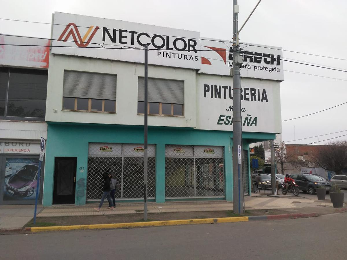 Foto Local en Alquiler en  Neuquen,  Confluencia  Felix San Martin y Tierra del fuego