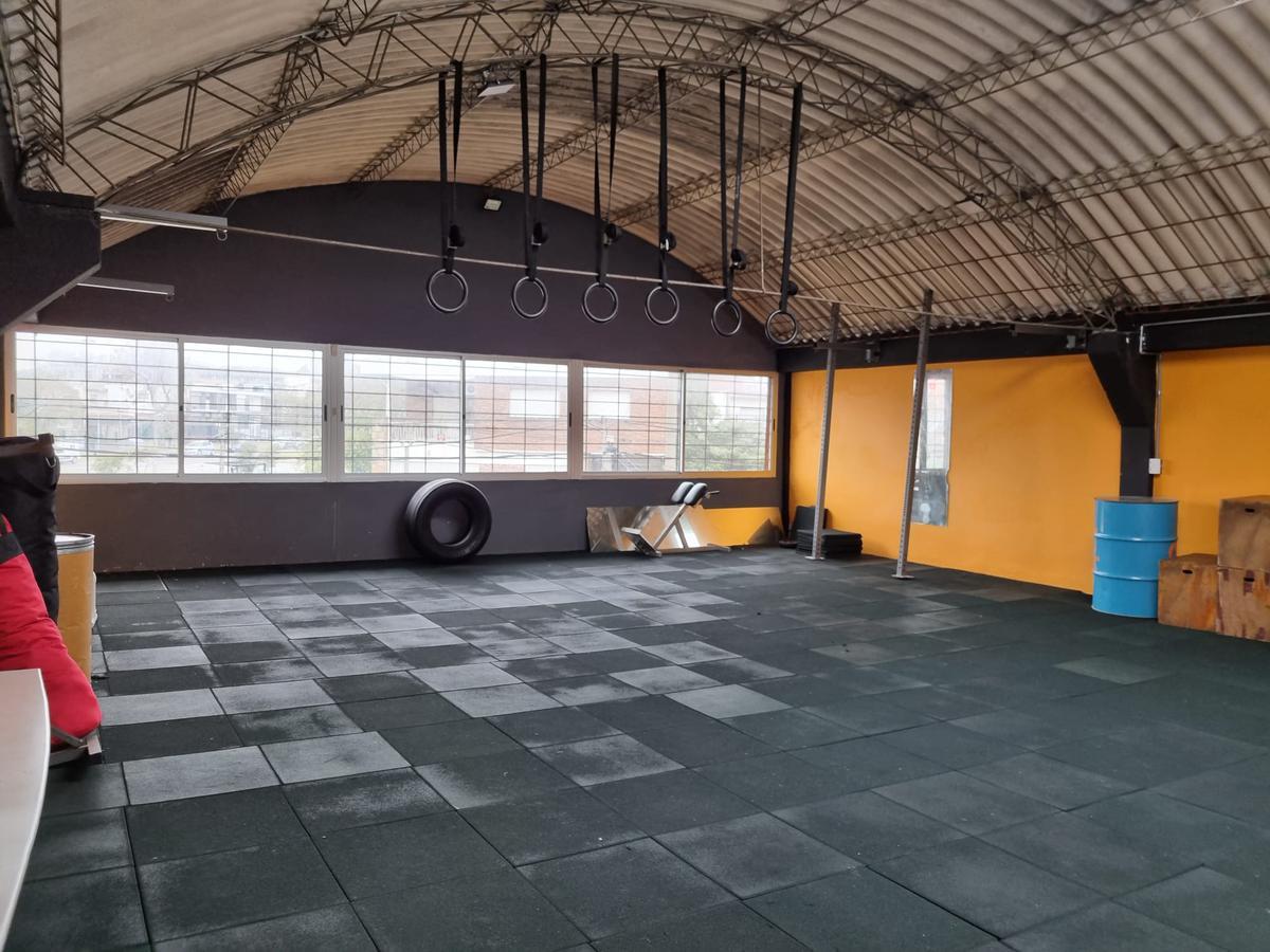 Foto Local en Venta | Alquiler en  La Blanqueada ,  Montevideo  Monte Caseros y Larrañaga, 371 m2  , frente 8,5 mts !!