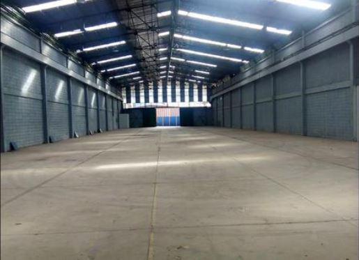 Foto Bodega Industrial en Renta en  Pavas,  San José  Rohrmoser / 1354 m2 / Andén