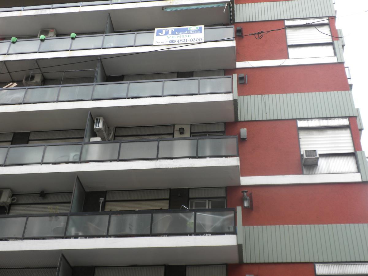 Foto Departamento en Venta en  Barrio Norte ,  Capital Federal  Arenales 2708 6º B