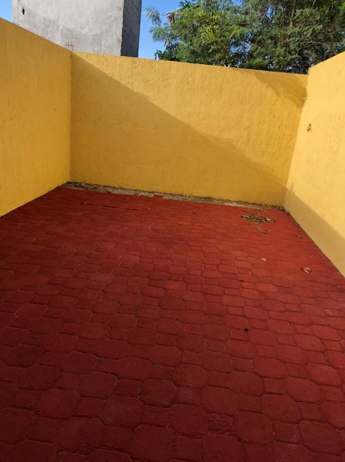 Foto Casa en Renta en  Fraccionamiento Jardines Del Norte,  Mérida  CASA EN ESQUINA EN JARDINES DEL NORTE