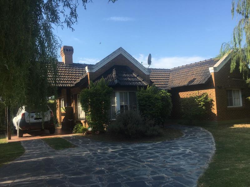 Foto Casa en Alquiler en  Campos De Echeverria,  Countries/B.Cerrado  Excelente casa en Campos de Echeverría