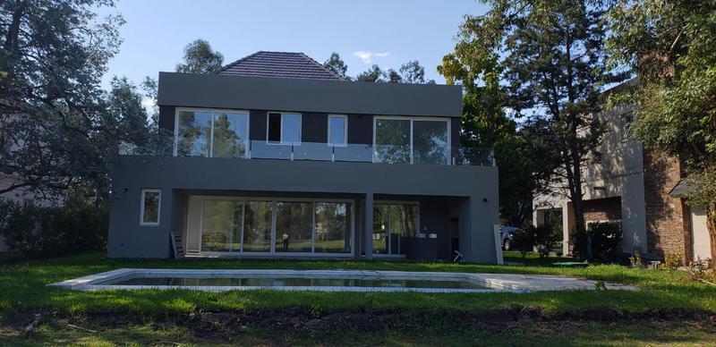 Foto Casa en Venta en  Saint Thomas,  Countries/B.Cerrado (E. Echeverría)   Moderna Casa a estrenar en Saint Thomas Oeste en venta y alquiler