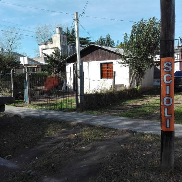 Foto Casa en Venta en  Llavallol,  Lomas De Zamora  SILVA al 800