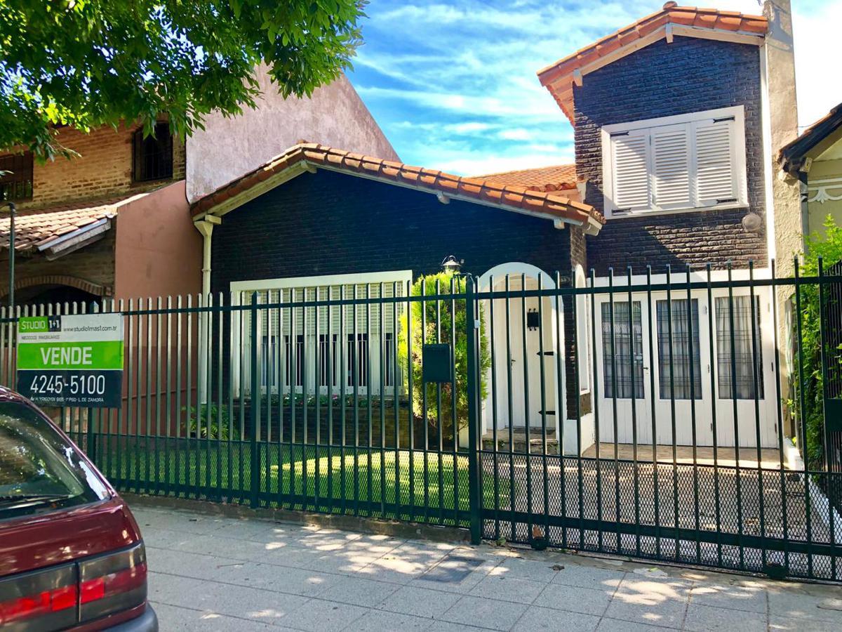 Foto Casa en Venta en  Banfield Oeste,  Banfield  DARRAGUEYRA al 100