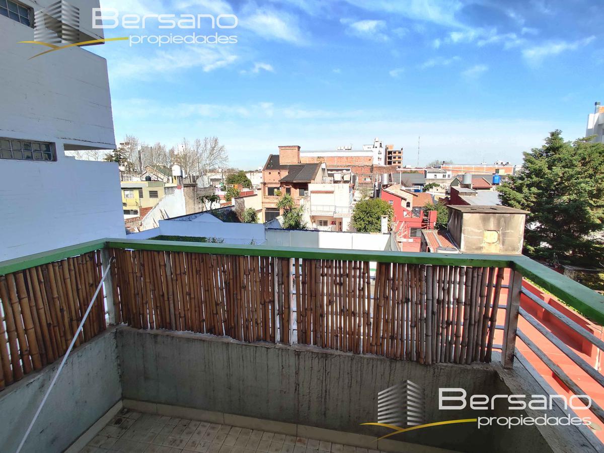 Foto Departamento en Venta en  Villa Saenz Peña,  Tres De Febrero  Ameghino 2956