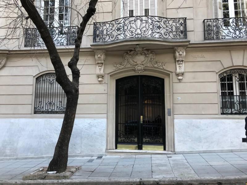 Foto Departamento en Alquiler en  Recoleta ,  Capital Federal  Montevideo  al 1800