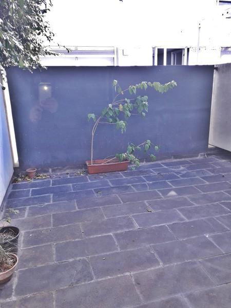 Foto Departamento en Alquiler en  Punta Carretas ,  Montevideo  Con patio propio, monoambiente metros rambla