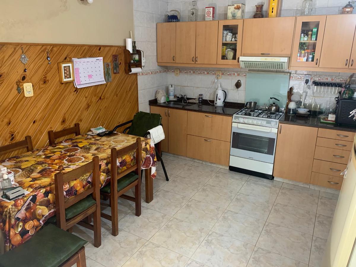 Foto Casa en Venta en  S.Fer.-Vias/Libert.,  San Fernando  MANSILLA 2500 - Acepta propiedad en parte de pago! Retasada