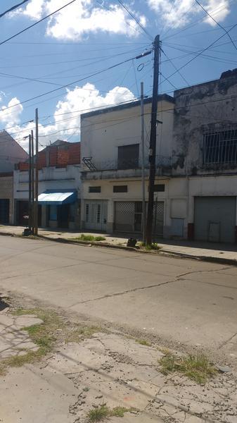 Foto Local en Venta en  Valentin Alsina,  Lanus  Brasil 1000