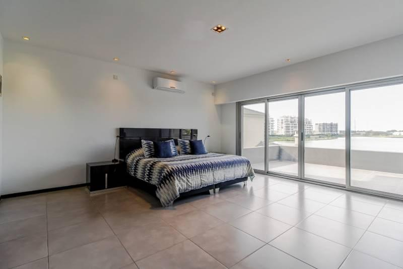 Foto Casa en Venta en  Lagos del Golf,  Nordelta  Lagos del Golf, Santa Lucia