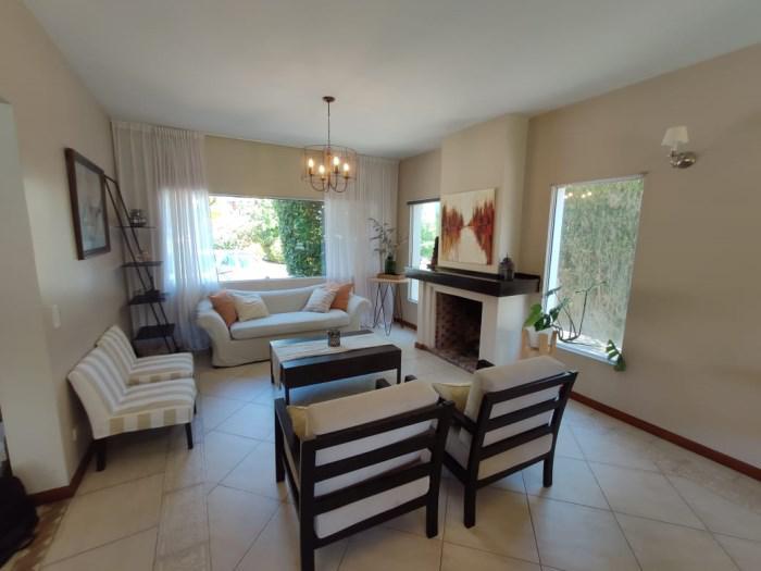 Foto Casa en Venta en  Tres Horquetas,  Countries/B.Cerrado (San Fernando)  YRIGOYEN H. al 4500