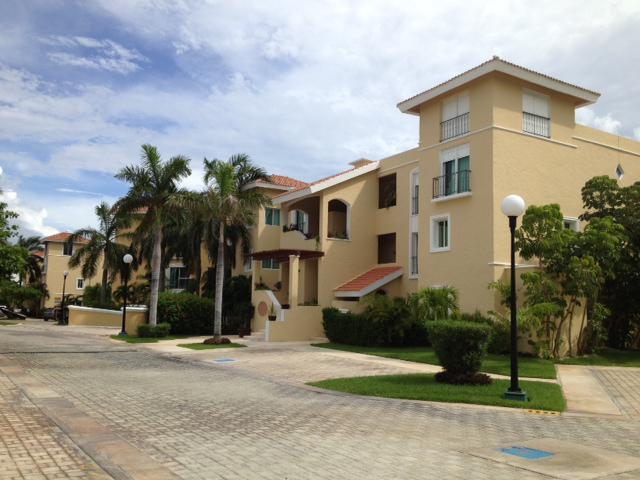 Foto Departamento en Venta en  Zona Hotelera,  Cancún  DEPARTAMENTO ISLA DORADA CANCUN