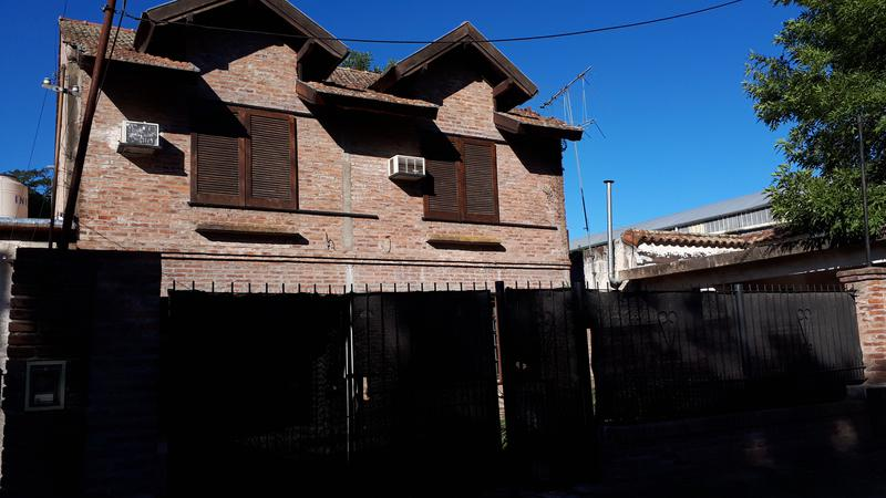 Foto Casa en Venta en  Centro,  Ingeniero Maschwitz  La Plata al 1400