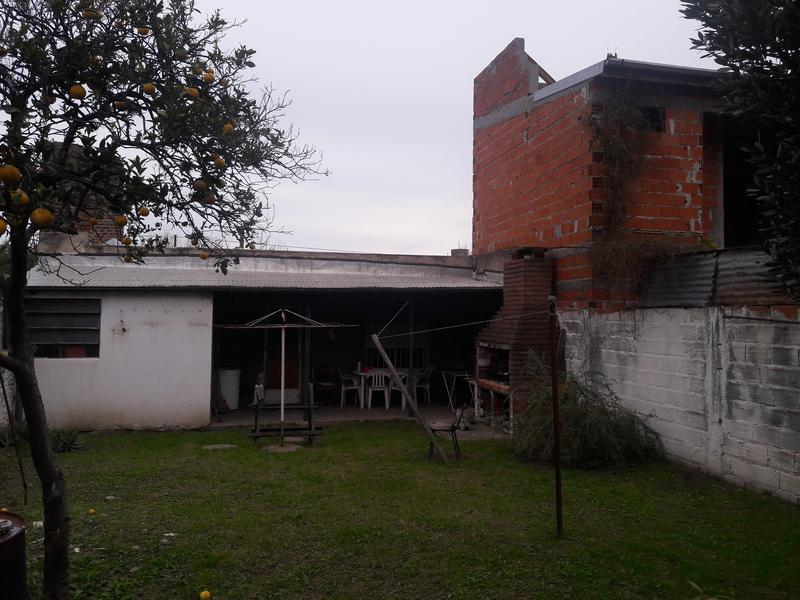 Foto Casa en Venta en  Campana ,  G.B.A. Zona Norte  Iriart al 300