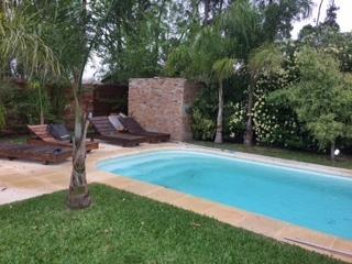 Foto Casa en Venta | Alquiler en   La Asunción,  Countries/B.Cerrado (Carrasco)  Minimalista, impecable! barrio cerrado