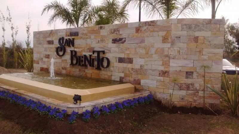 Foto Casa en Venta en  San Benito,  Villanueva  San Benito Villa Nueva  al 100