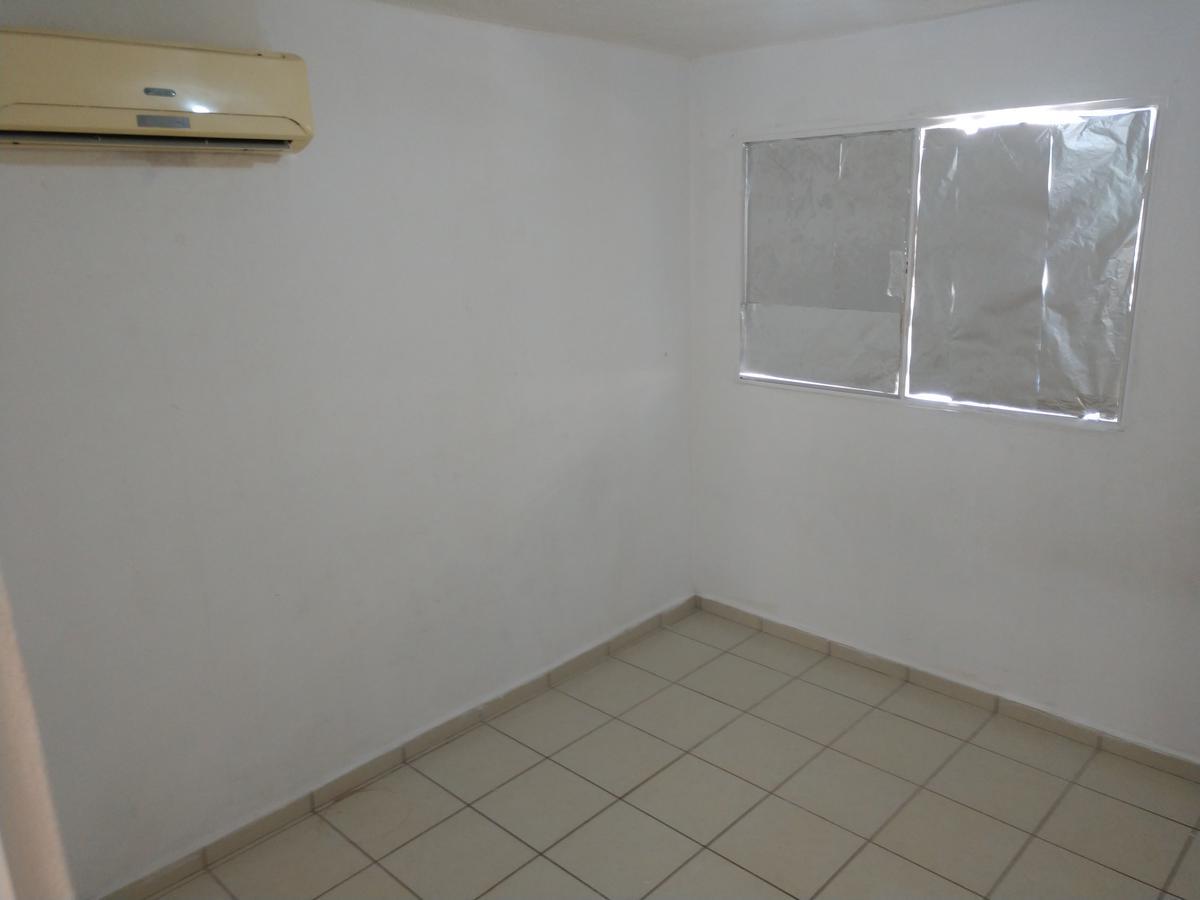 Foto Casa en Renta en  Fraccionamiento Zona Dorada,  Culiacán  Casa Semiamueblada Zona Dorada 5 Mins Nvo Hospital Gral