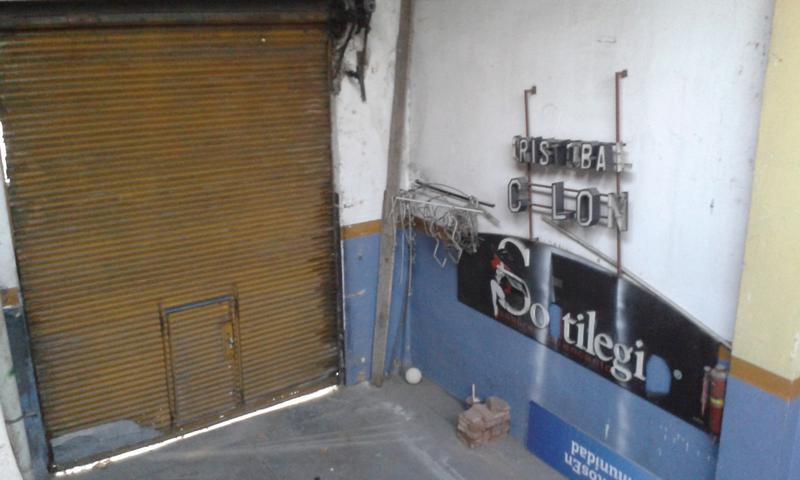 Foto Galpón en Alquiler en  Valentin Alsina,  Lanús  Remedios de Escalada  2200