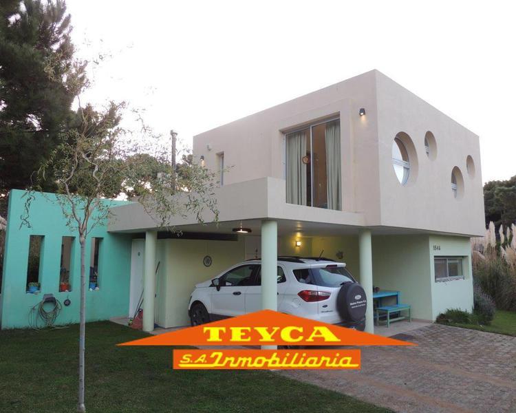 Foto Casa en Venta en  Nayades I,  Pinamar  Titanes 1546 Esq. Heraclidas