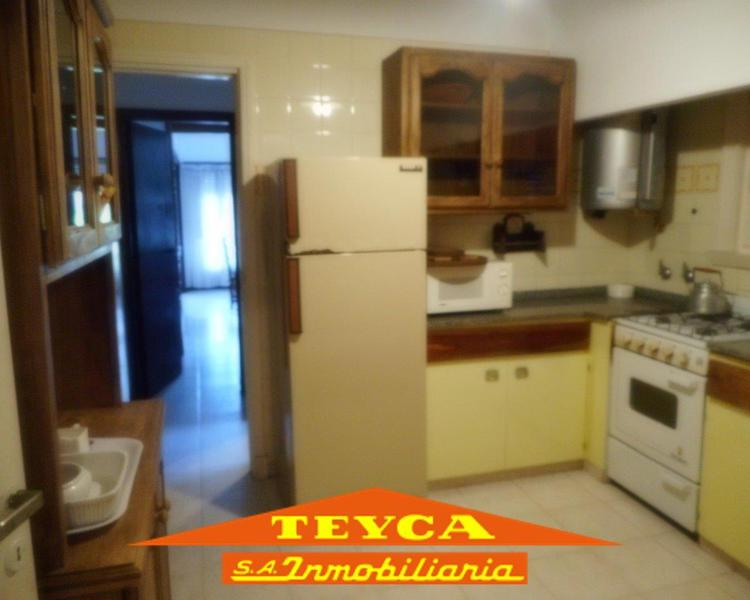 Foto Casa en Venta en  Centro Playa,  Pinamar  Acacias 499 E/ Sirena y Buen Orden