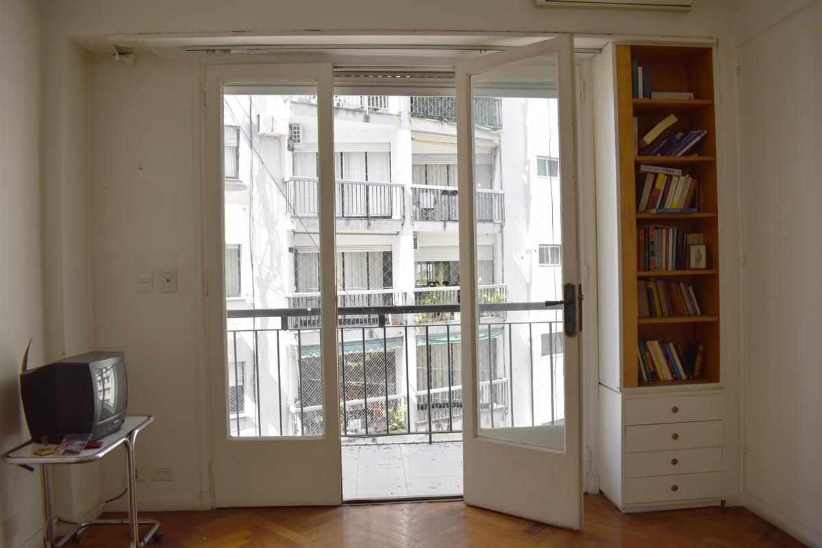 Foto Departamento en Venta en  Recoleta ,  Capital Federal  Montevideo al 1500