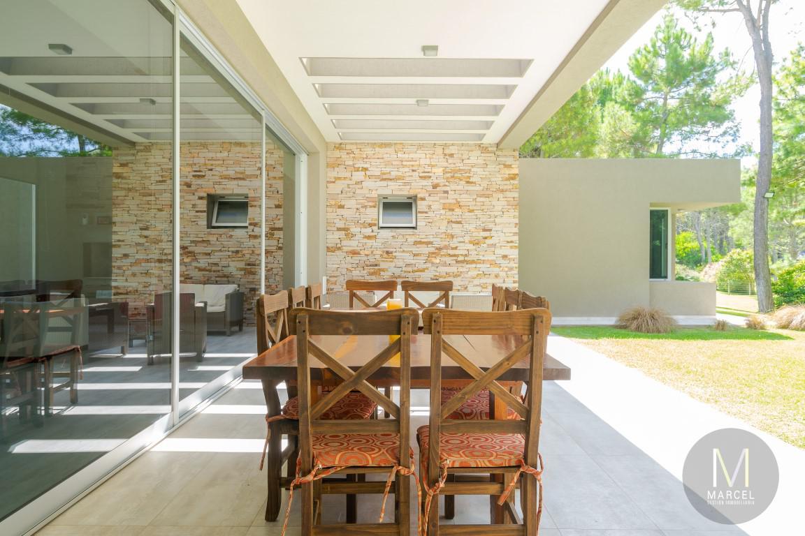 Foto Casa en Venta en  Norte Playa,  Pinamar  Polifemo  4431