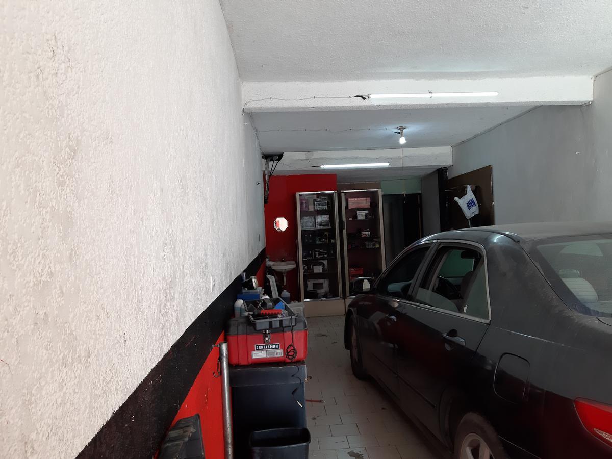 Foto Local en Venta en  Monterrey ,  Nuevo León  Avenida Ruiz Cortines, Local al 2500