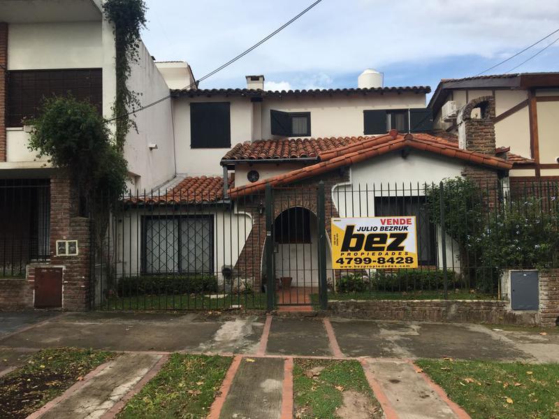 Foto Casa en Venta en  La Lucila,  Vicente Lopez  Parana al 600
