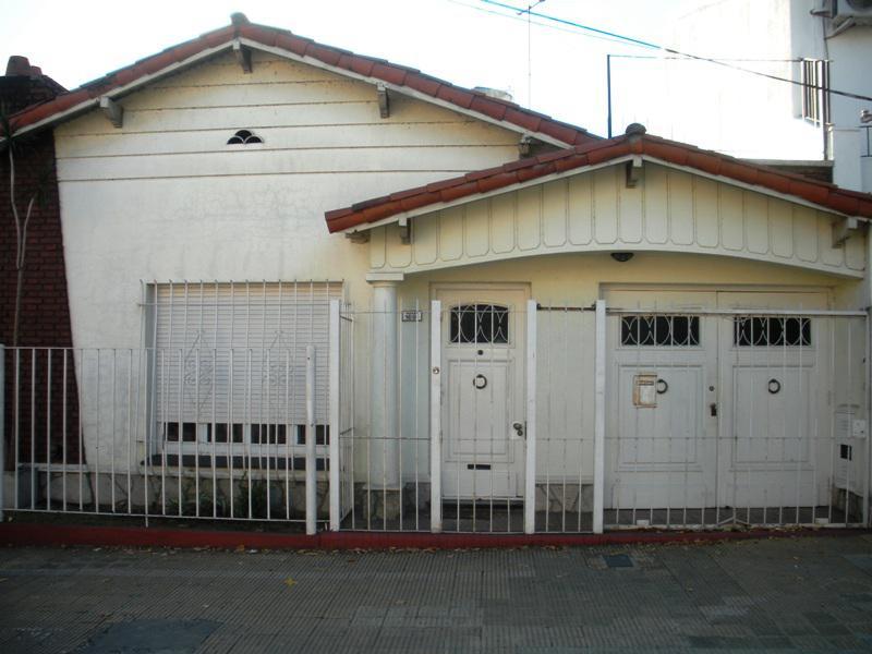 Foto Casa en Venta en  Olivos,  Vicente Lopez  Paraná al 1600