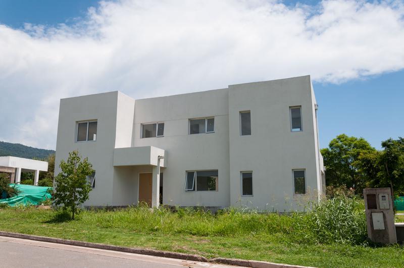 Foto Casa en Venta en  Countries/B.Cerrado,  Yerba Buena  Las Jarillas Country Club