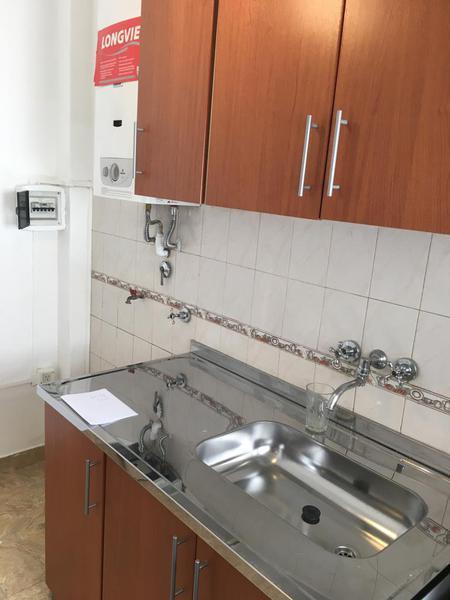 Foto PH en Alquiler en  Villa Luro ,  Capital Federal  Departamento de 3 ambientes sobre E. Castro al 4900, Villa Luro, con cocina separada.