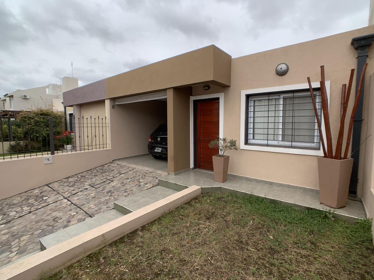Foto Casa en Venta en  Nuevo Poeta Lugones,  Cordoba Capital  Nuevo Poeta  Lugones - Edmundo Cartos 4800