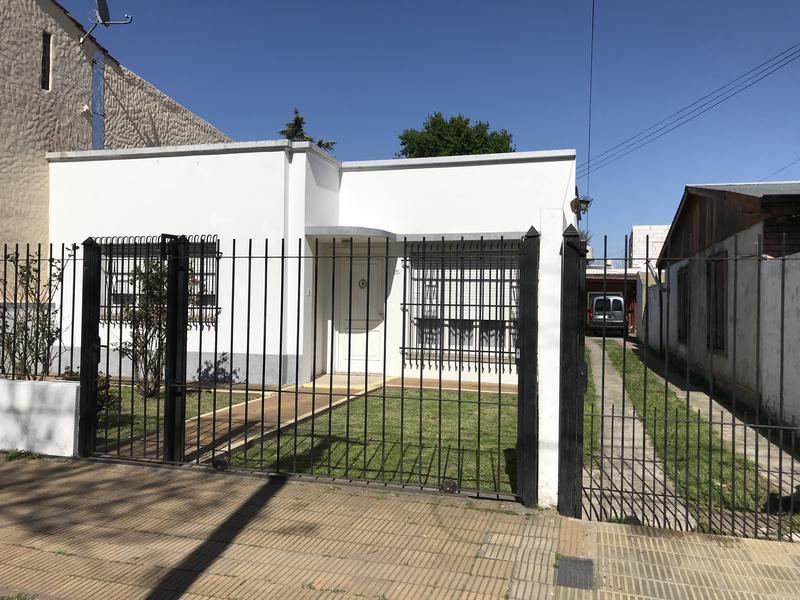 Foto Casa en Venta en  Temperley Este,  Temperley  CARABOBO 365