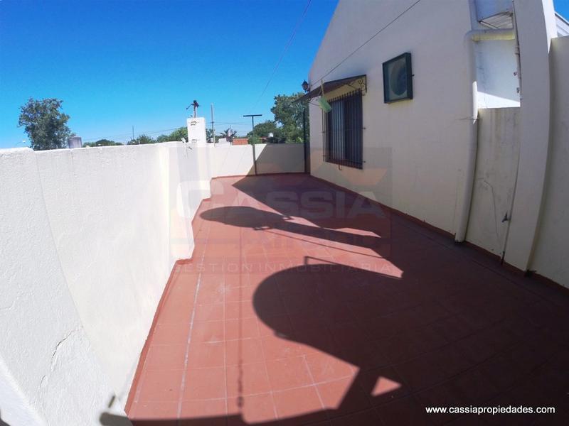 Foto Casa en Venta en  Remedios De Escalada,  Lanus  DARDO ROCHA 3449