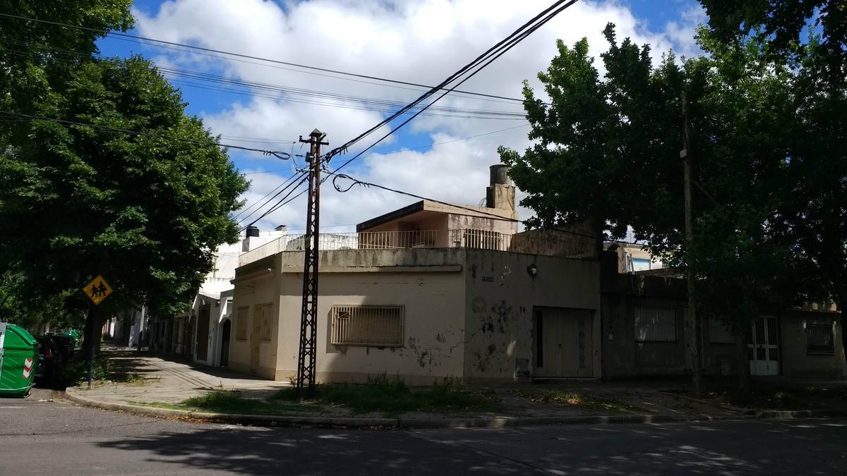 Foto Casa en Venta en  Echesortu,  Rosario  Zeballos al 4612