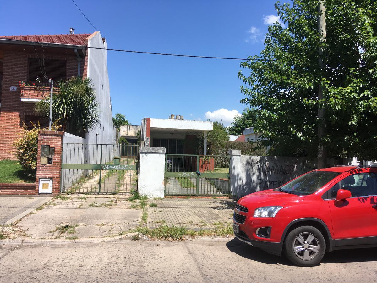 Foto Casa en Venta en  La Plata,  La Plata  67 e/20y21