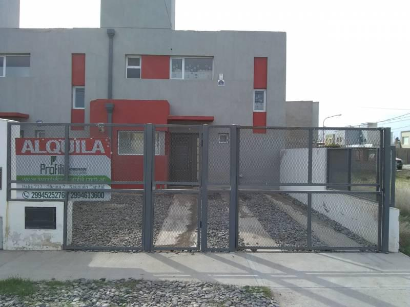 Foto Casa en Alquiler en  Capital Federal ,  Capital Federal  Roberto Abel al 200