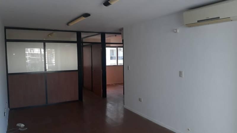 Foto Oficina en Venta en  Centro,  Rosario  Montevideo al 2400
