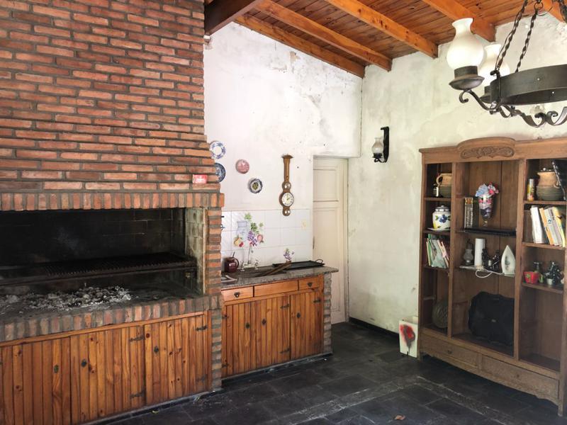 Foto Casa en Alquiler en  Ituzaingó ,  G.B.A. Zona Oeste  Alvear al 1100