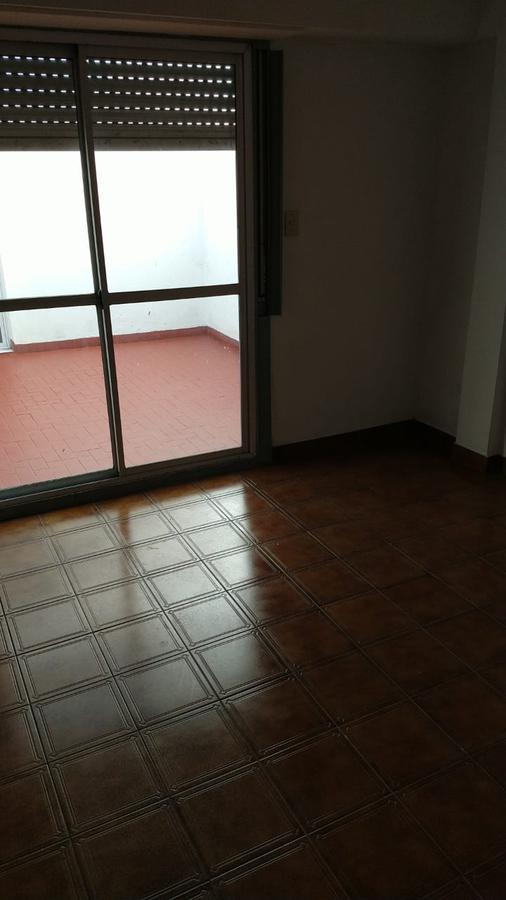 Foto Departamento en Alquiler en  Ramos Mejia Sur,  Ramos Mejia  AV. DE MAYO al 1400