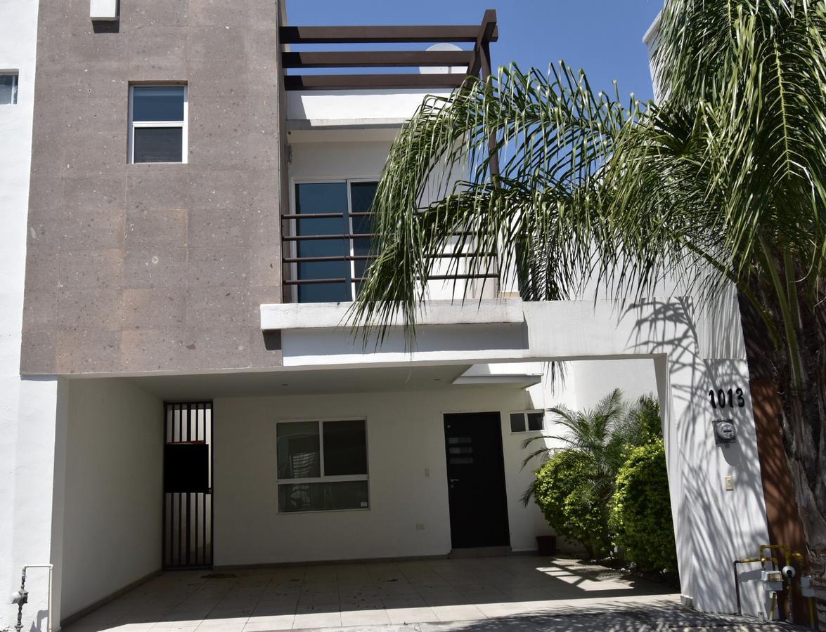 Foto Casa en Renta en  Monterrey ,  Nuevo León      Casa en Renta equipada en Residencial de La Sierra-Zona Sur (AAH)