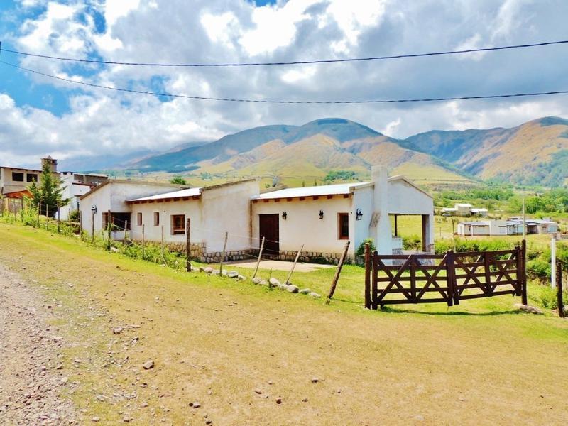 Foto Casa en Alquiler temporario en  Tafi Del Valle ,  Tucumán  VACACIONES DE INVIERNO Casa en alquiler temporario, 2 dorm 1 baños. Lote 1087m2 - Lambedero Tafi del Valle